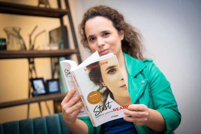 Apeldoornse Simone Levie schrijft boek over succesvol ondernemen: 'Je …